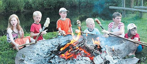 Freizeitmöglichkeiten Lagerfeuer auf Monikas Ferienhof