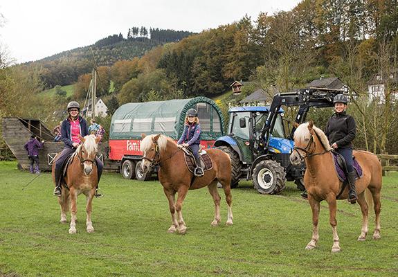 slider_reiten_pferde-reiter_1